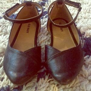 Old navy leather shoes with ankle straps